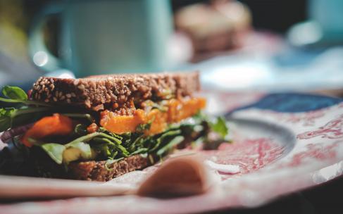 Что приготовить из еды, оставшейся после праздников?