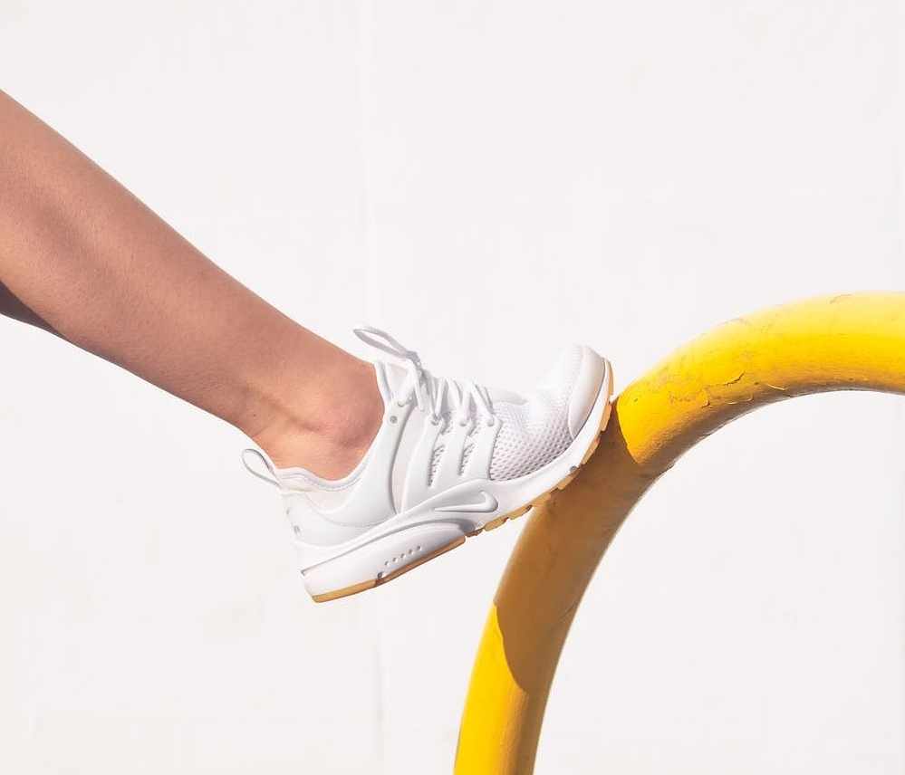 Как следить за белыми кроссовками: правила ухода
