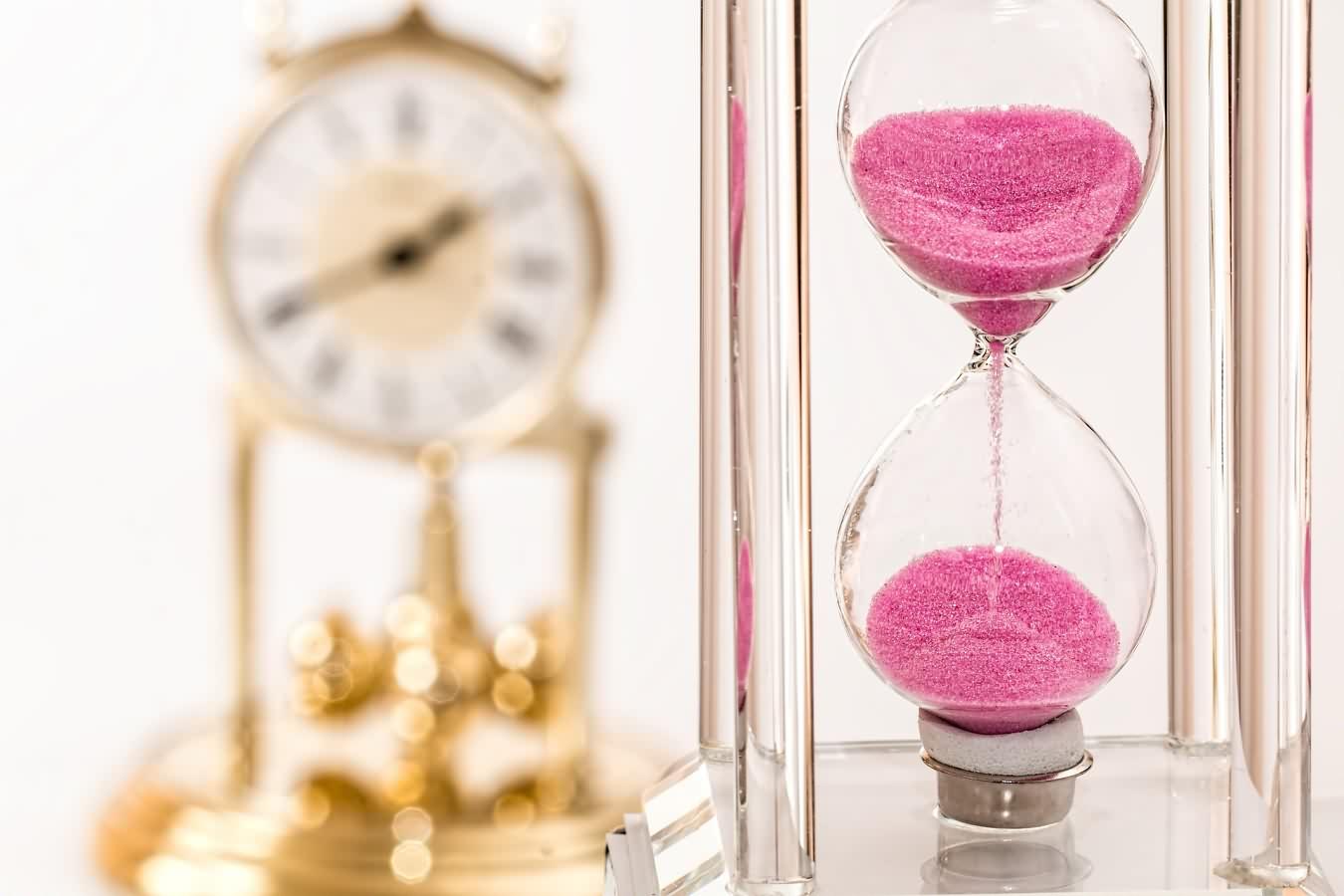 hourglass-1703330_1920