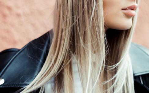 Электризуются волосы — что делать?