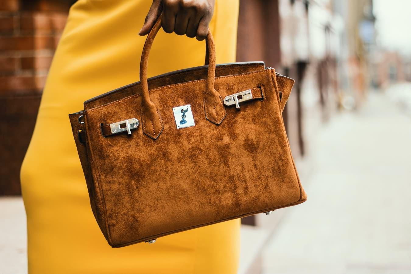 Как выбрать сумку по возрасту и статусу?